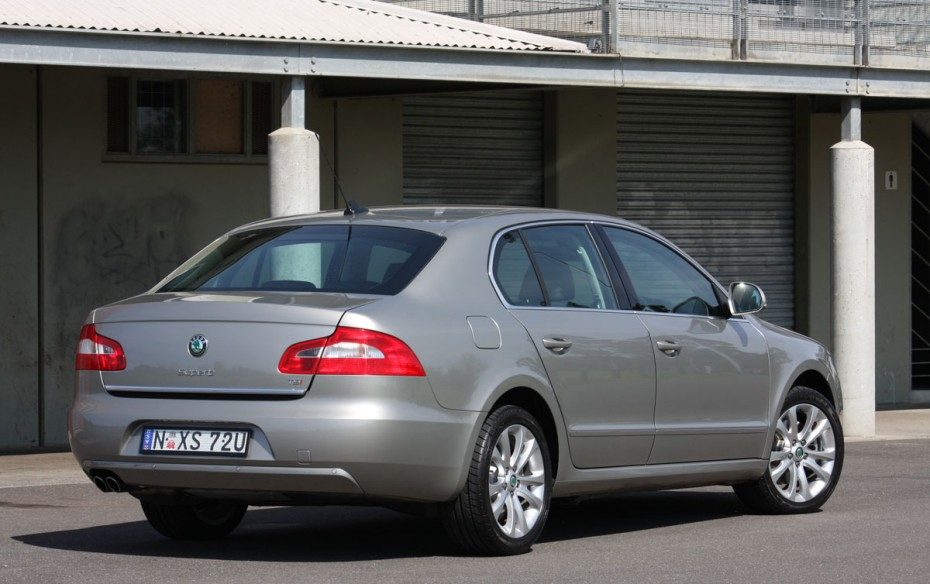 Skoda Superb 1.8 2009 photo - 1