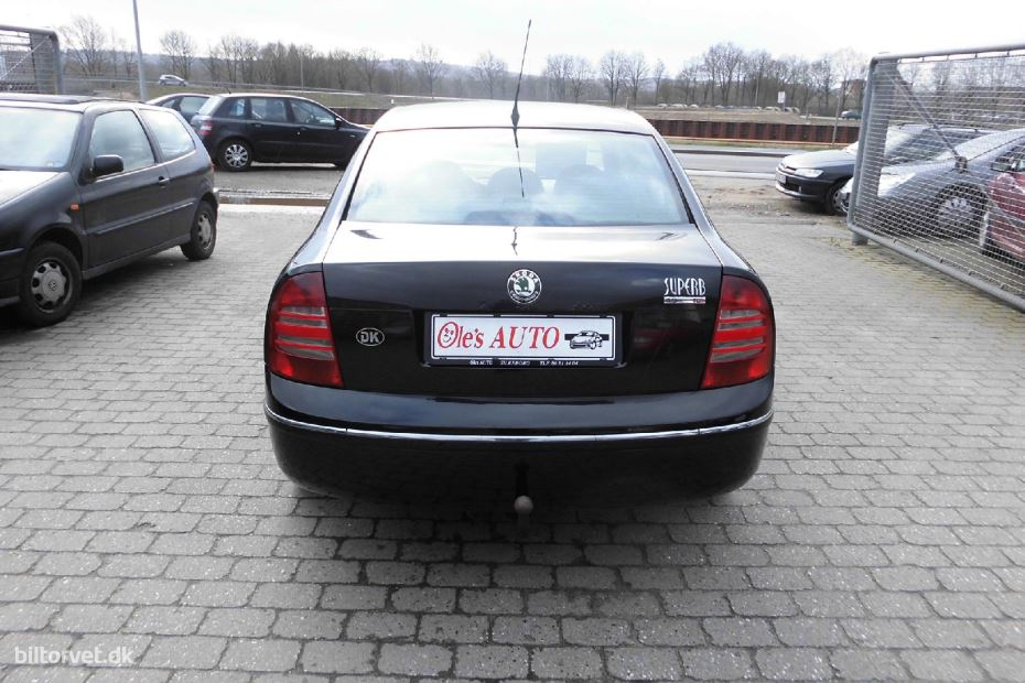 Skoda Superb 1.9 2004 photo - 12