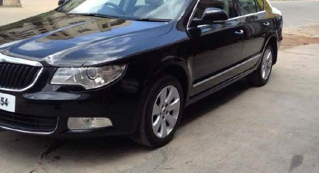 Skoda Superb 2.0 2009 photo - 4