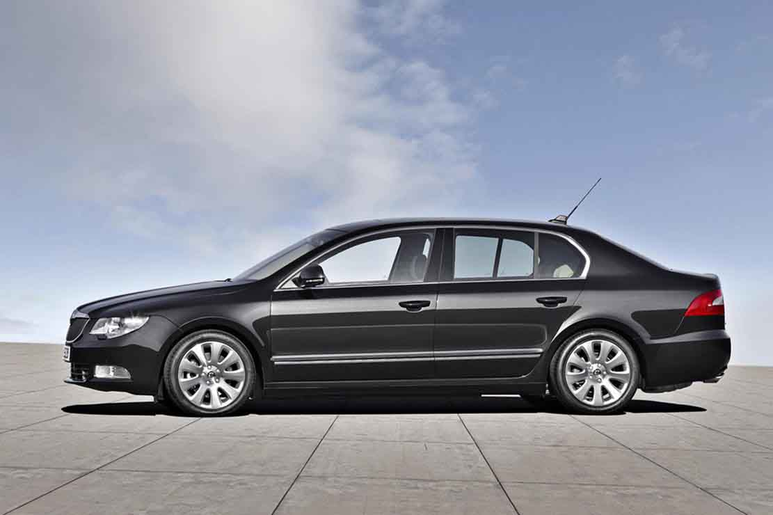 Skoda Superb 2.0 2009 photo - 7