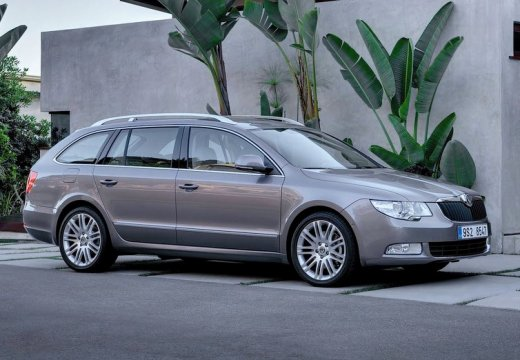 Skoda Superb 2.0 2009 photo - 8