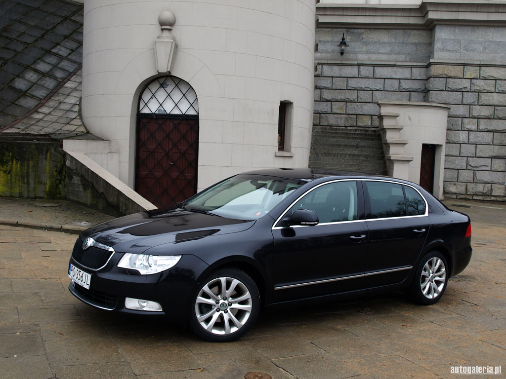 Skoda Superb 2.0 2009 photo - 9