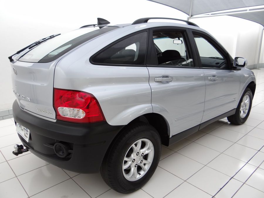 SsangYong Actyon 2.3 2013 photo - 10