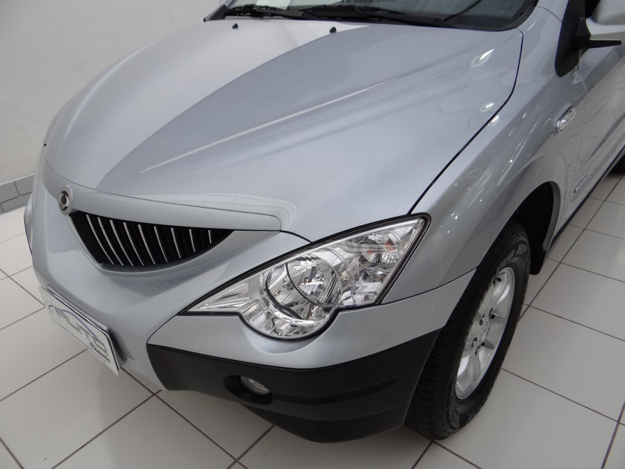 SsangYong Actyon 2.3 2013 photo - 11