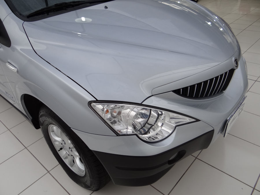 SsangYong Actyon 2.3 2013 photo - 12