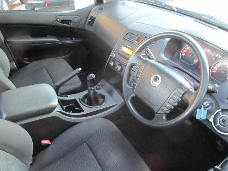 SsangYong Actyon 2.3 2013 photo - 6