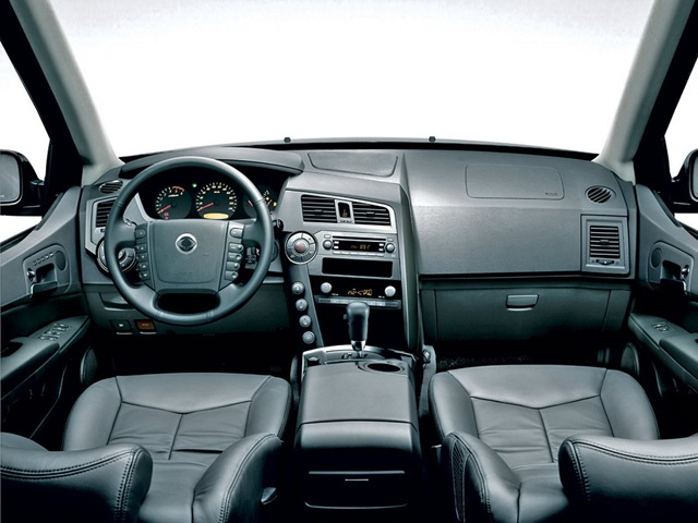 SsangYong Kyron 2.3 2013 photo - 4