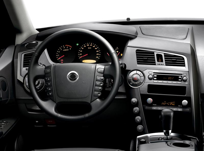 SsangYong Kyron 2.3 2013 photo - 5