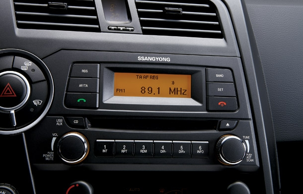 SsangYong Kyron 3.2 2010 photo - 12