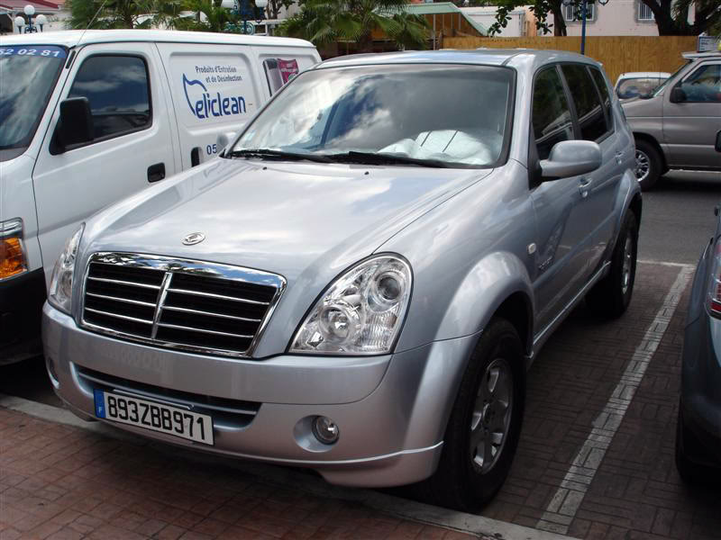 SsangYong Kyron 3.2 2010 photo - 3