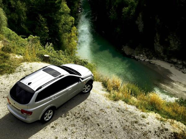 SsangYong Kyron 3.2 2010 photo - 4