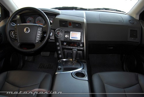 SsangYong Kyron 3.2 2010 photo - 6