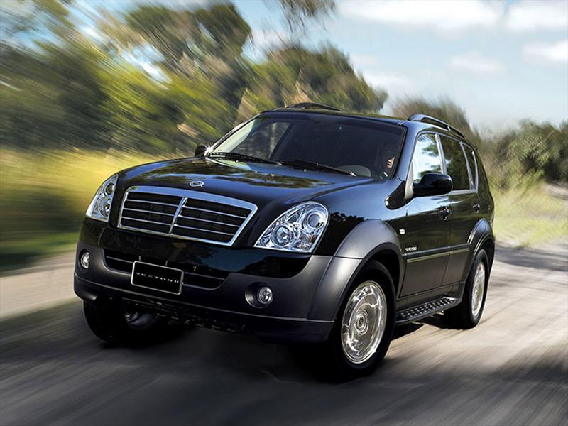 SsangYong Rexton 2.7 2012 photo - 1