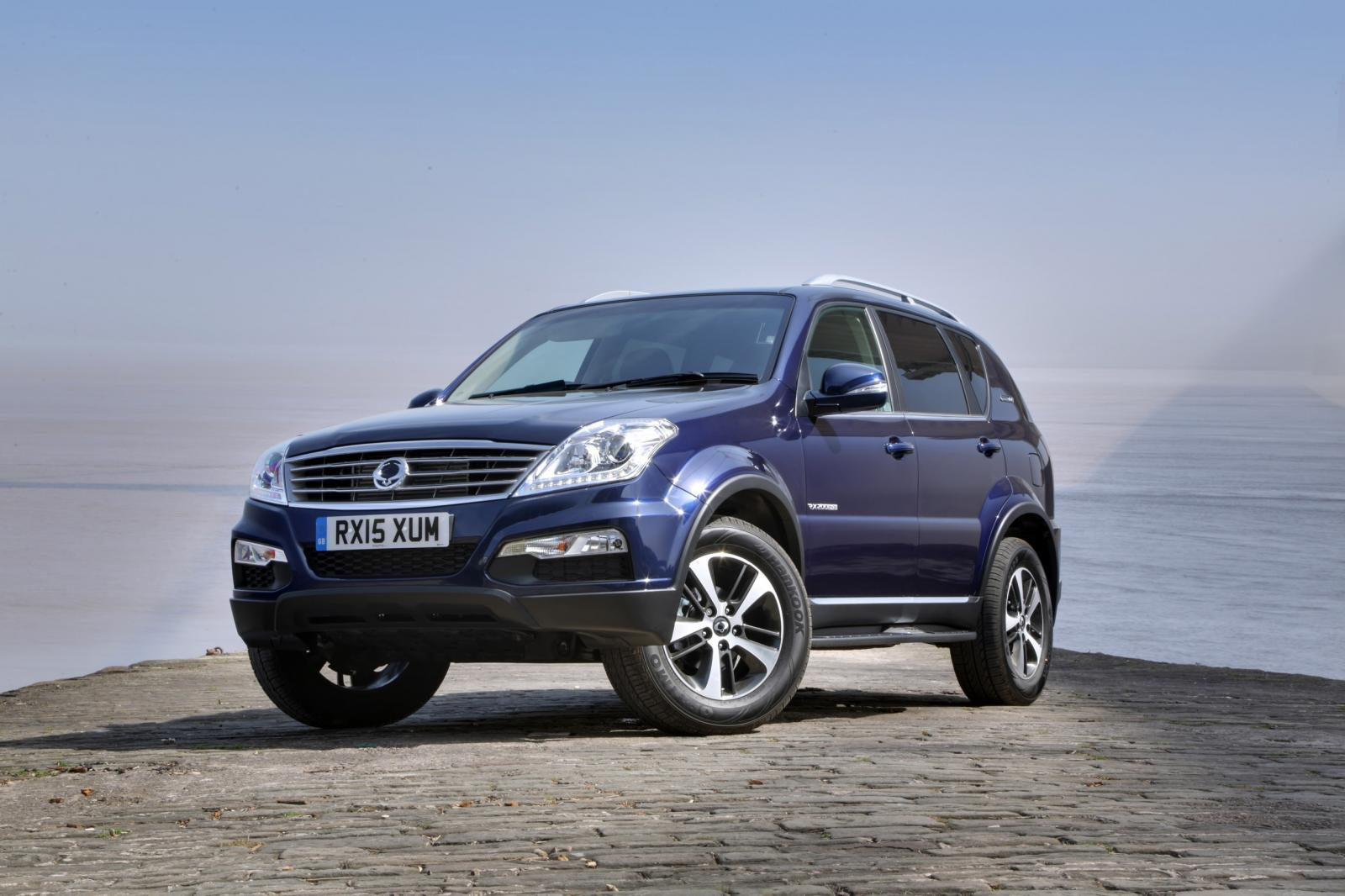SsangYong Rexton 2.7 2012 photo - 11
