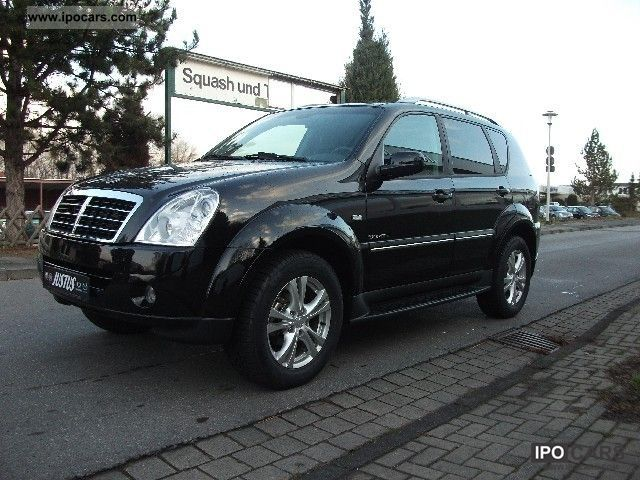 SsangYong Rexton 2.7 2012 photo - 2
