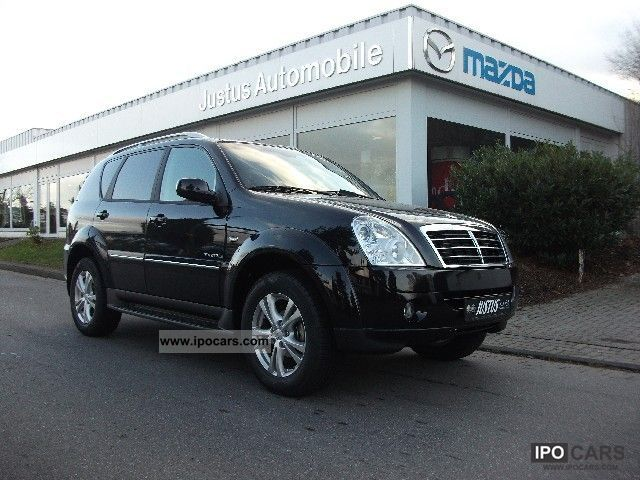 SsangYong Rexton 2.7 2012 photo - 3
