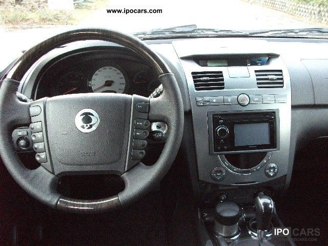SsangYong Rexton 2.7 2012 photo - 5