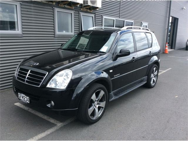 SsangYong Rexton 2.7 2012 photo - 6