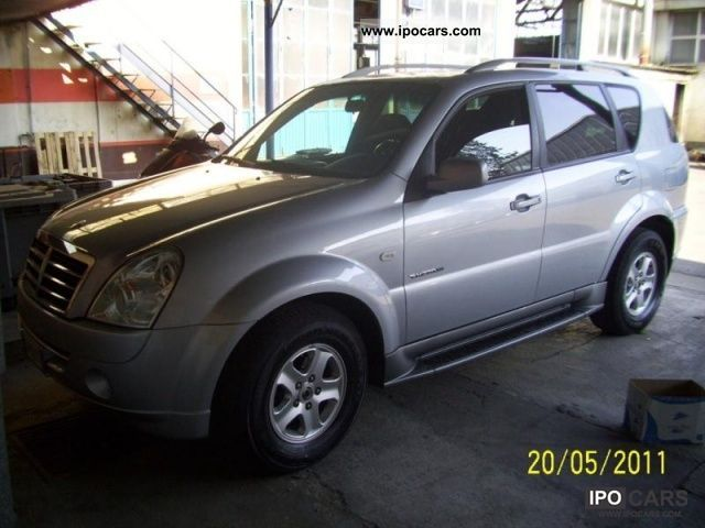 SsangYong Rexton 2.7 2012 photo - 7
