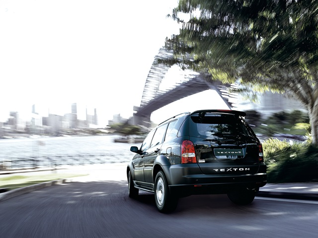 SsangYong Rexton 2.7 2012 photo - 9