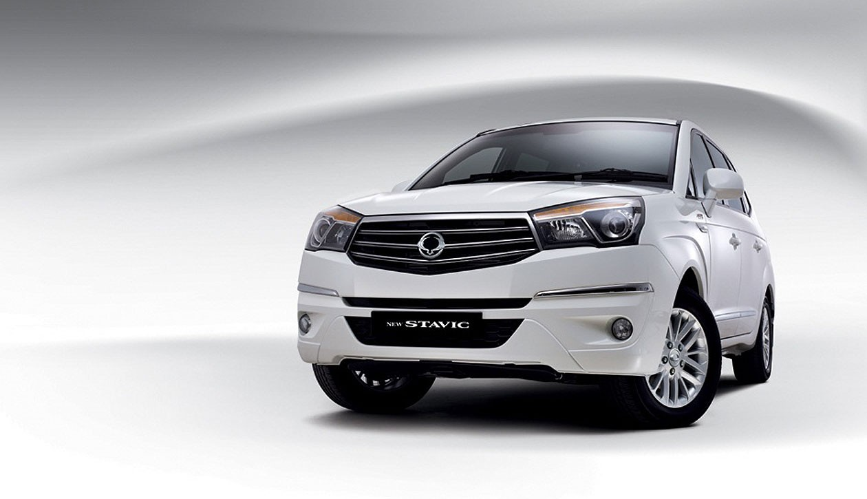 SsangYong Stavic 2.0 2013 photo - 3