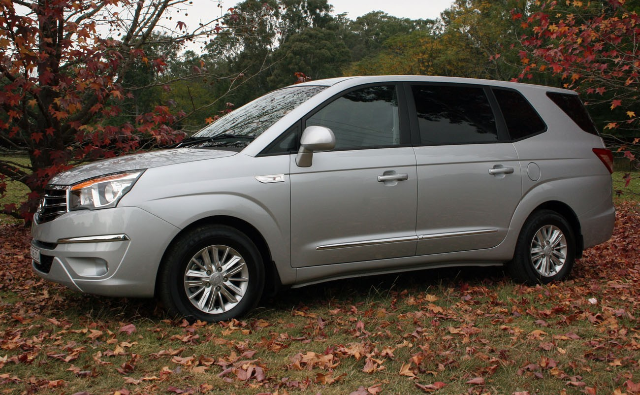 SsangYong Stavic 2.0 2013 photo - 4
