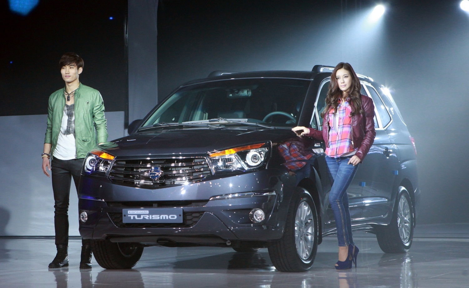 SsangYong Stavic 2.0 2013 photo - 6