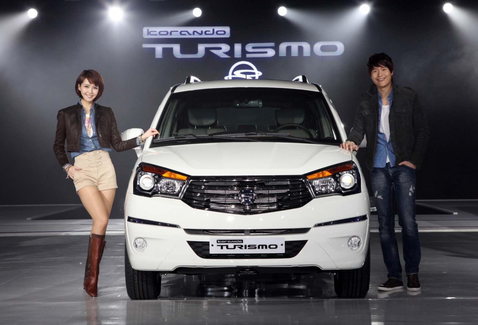 SsangYong Stavic 2.0 2013 photo - 9