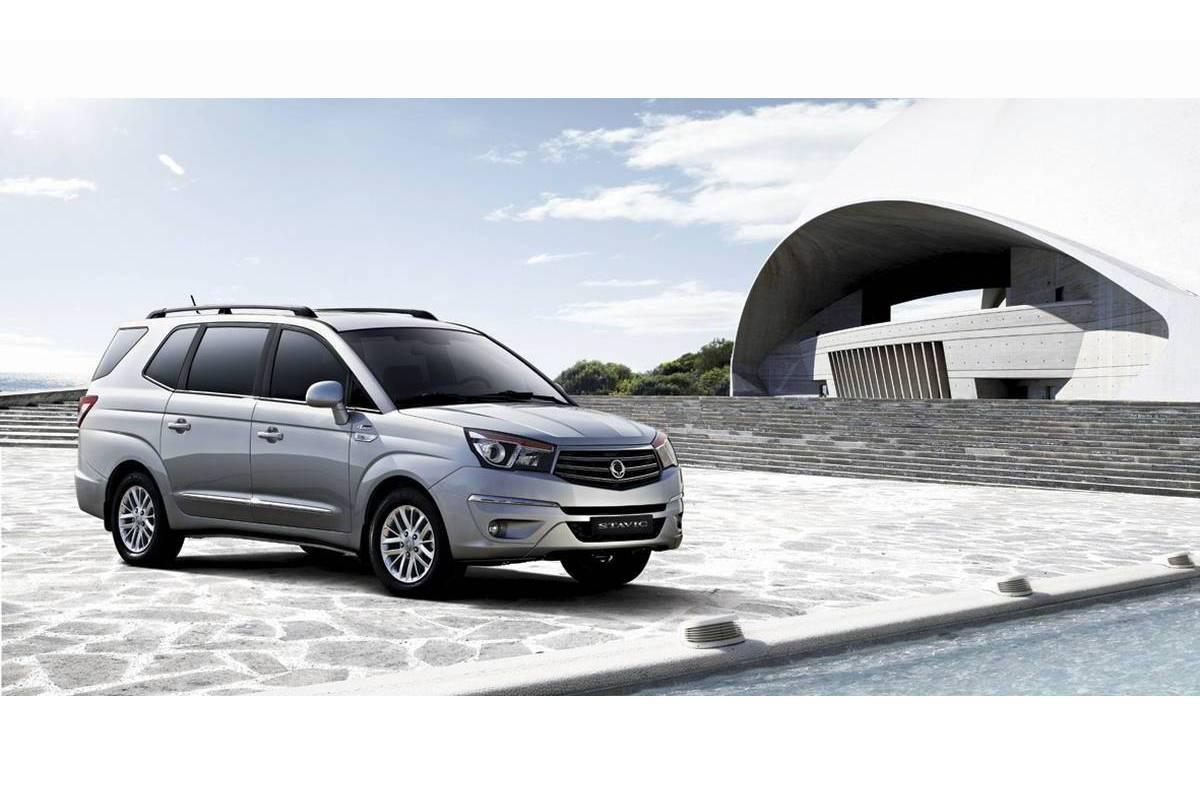 SsangYong Stavic 3.2 2014 photo - 10