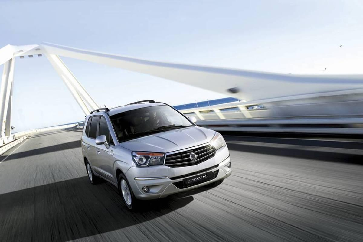 SsangYong Stavic 3.2 2014 photo - 11