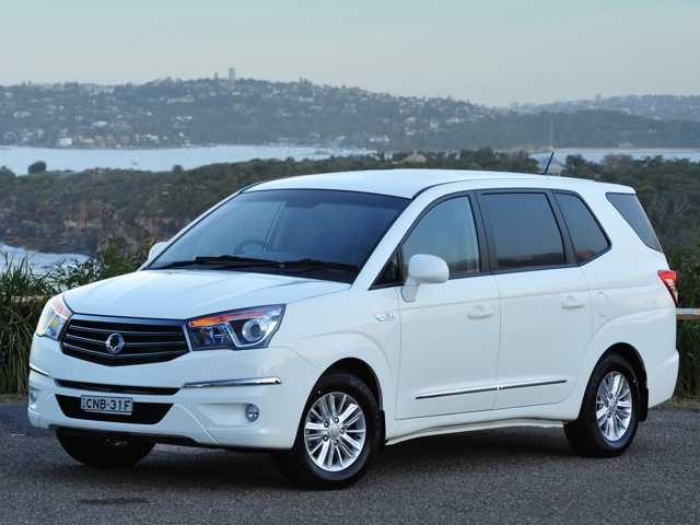 SsangYong Stavic 3.2 2014 photo - 5