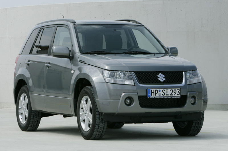 Suzuki Grand Vitara 2.0 2005 photo - 1