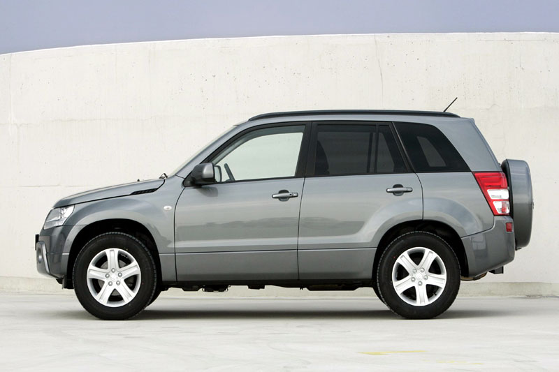 Suzuki Grand Vitara 2.0 2005 photo - 4