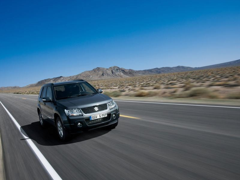 Suzuki Grand Vitara 2.4 2012 photo - 10