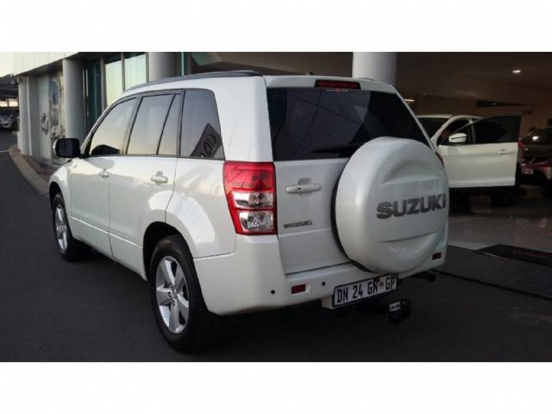 Suzuki Grand Vitara 2.4 2012 photo - 5