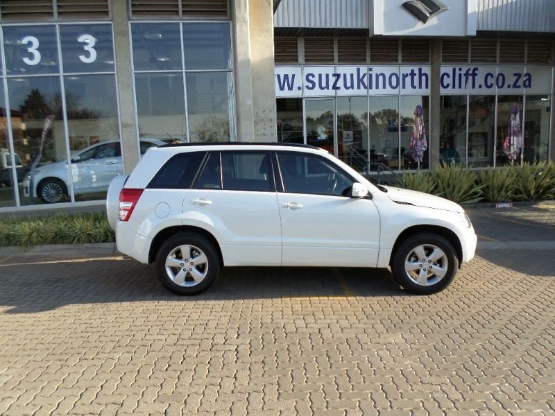 Suzuki Grand Vitara 2.4 2012 photo - 7