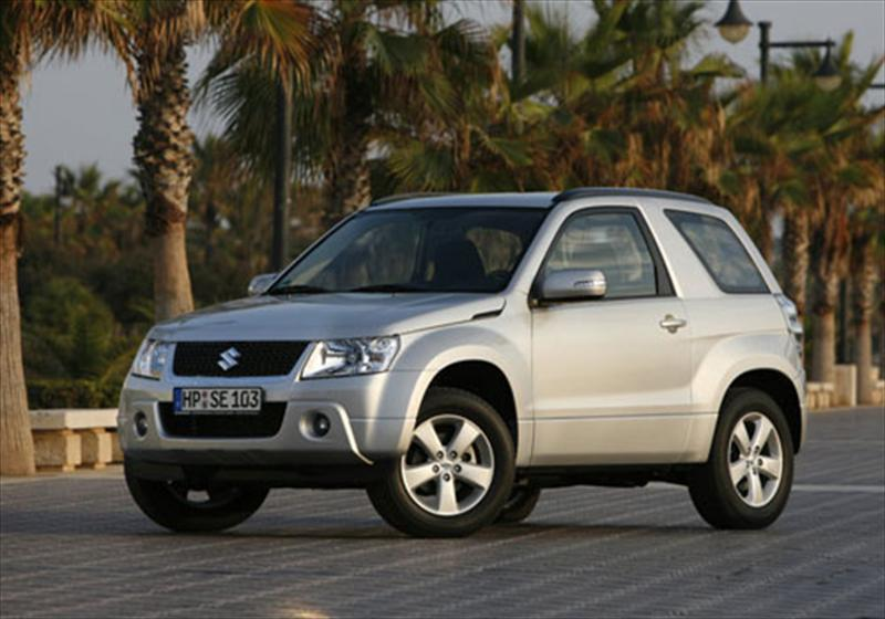 Suzuki Grand Vitara 2.4 2012 photo - 9