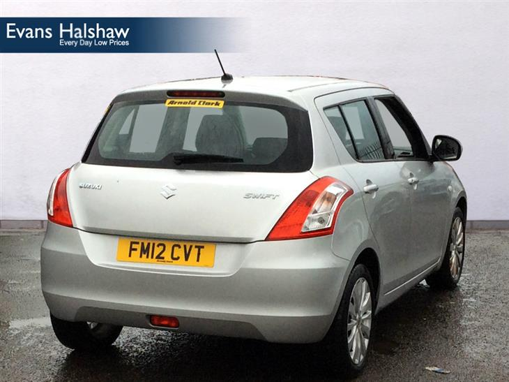 Suzuki Swift 1.2 2012 photo - 12