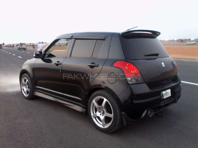 Suzuki Swift 1.2 2012 photo - 2