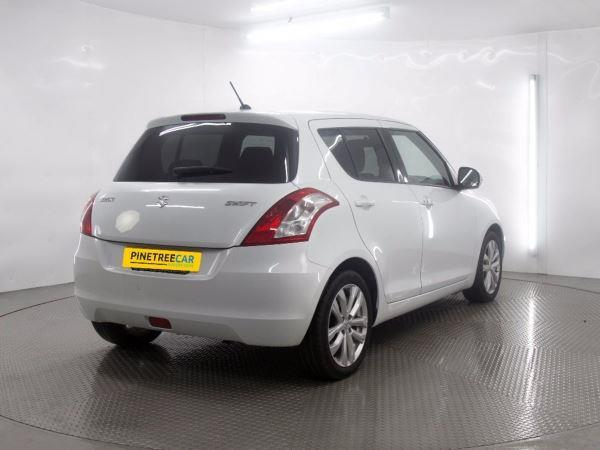 Suzuki Swift 1.2 2013 photo - 4