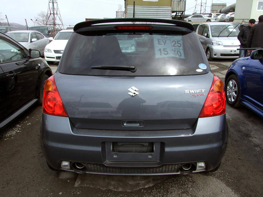 Suzuki Swift 1.3 2008 photo - 11