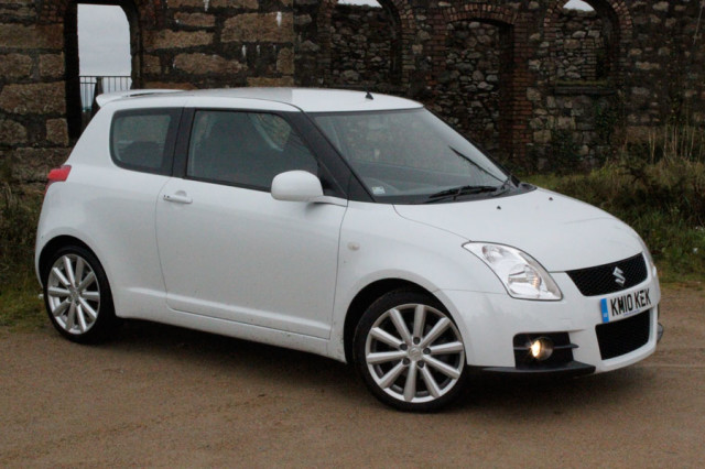 Suzuki Swift 1.3 2008 photo - 4