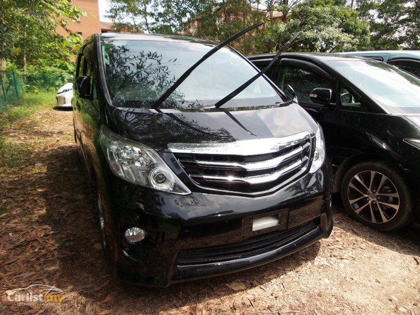 Toyota Alphard 2.4 2011 photo - 2