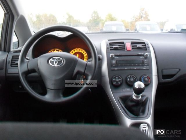 Toyota Auris 1.33 2009 photo - 10