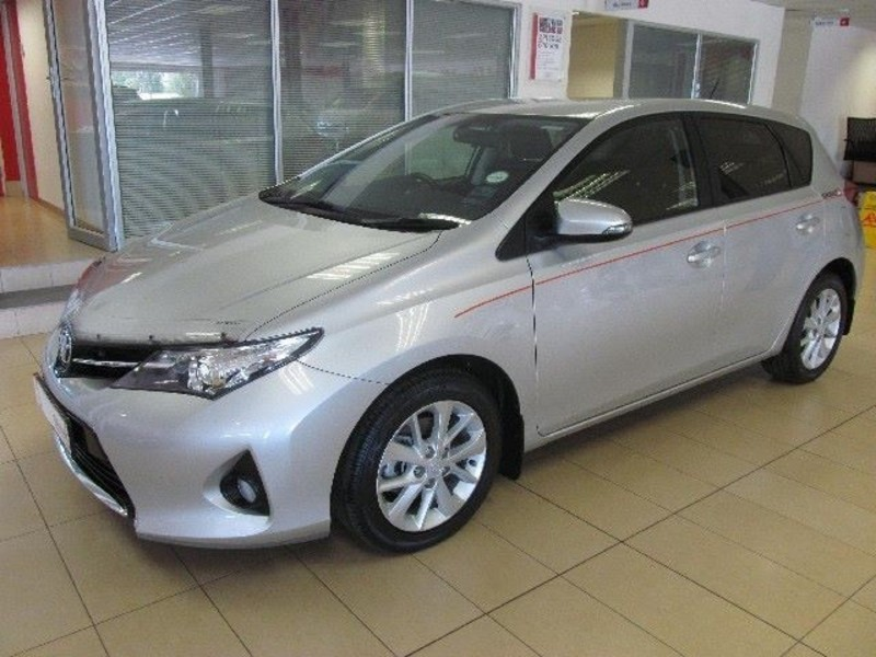 Toyota Auris 1.6 2013 photo - 4