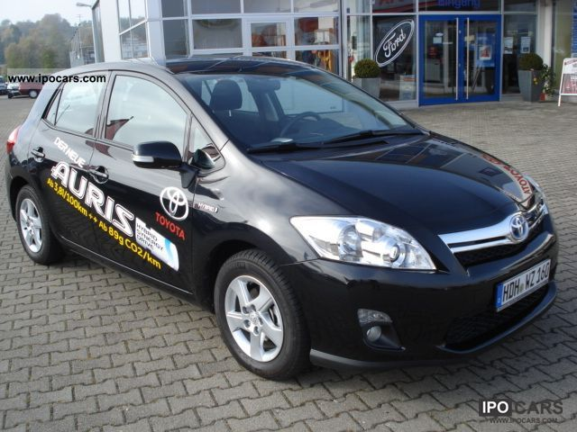 Toyota Auris 1.8 2011 photo - 12