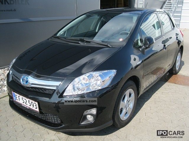 Toyota Auris 1.8 2011 photo - 2