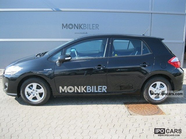 Toyota Auris 1.8 2011 photo - 3