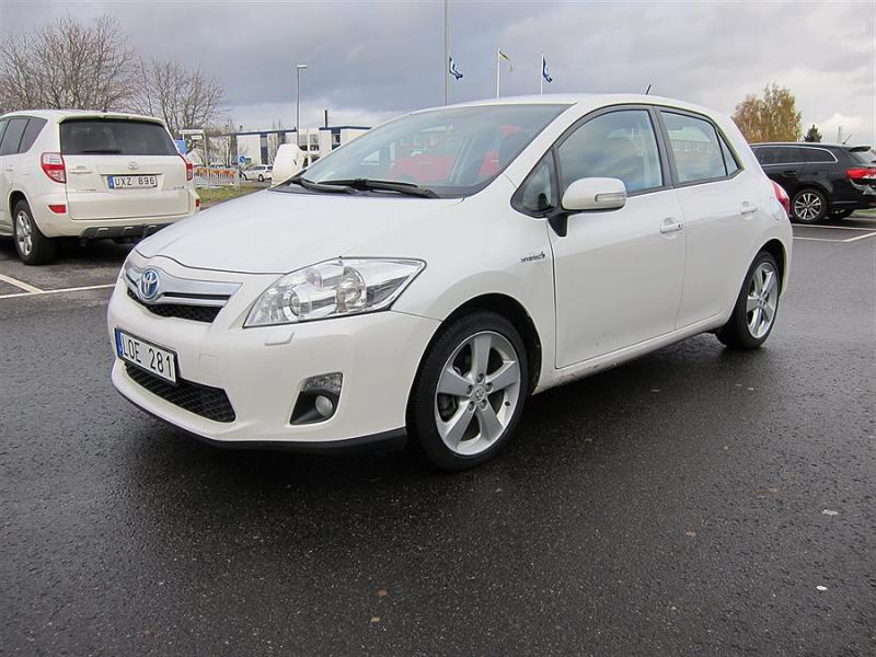 Toyota Auris 1.8 2011 photo - 8