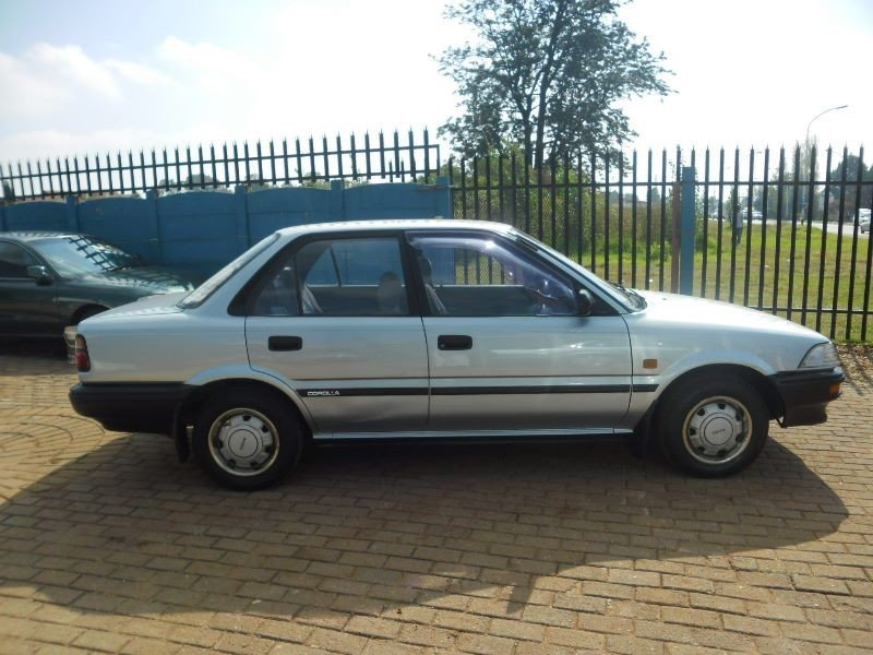 Toyota Corolla 1.3 1991 photo - 6